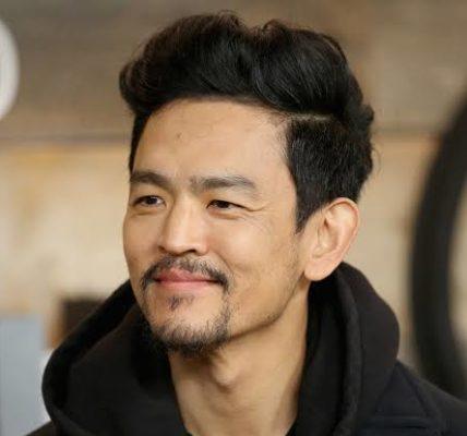 http://www.timebulletin.com/wp-content/uploads/2019/11/Actor-John-Cho.jpg