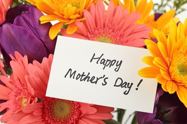 https://timebulletin.com/wp-content/uploads/2020/03/Mothering-Sunday-Mothers-Day-in-the-UK.jpg
