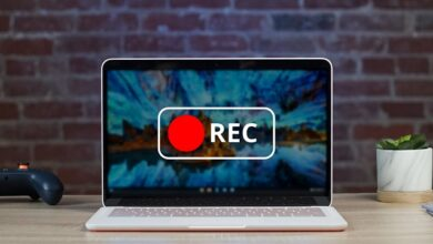 Chrome OS currently has a built in screen recorder to record virtual lessons