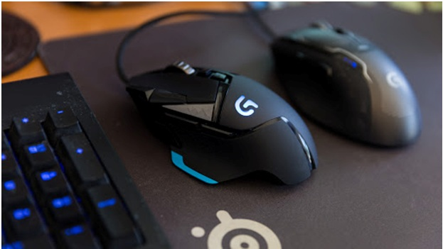 Razer Naga Trinity Corsair Nightsword RGB and Steelseries Sensei Ten considered the best three mouses for the LoLgame