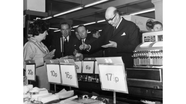 U.K. and Ireland celebrate the 50th anniversary of the switch to decimalization and system of currency