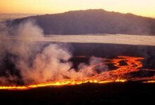 USGS alerts that the worlds largest volcano Mauna Loa could emit