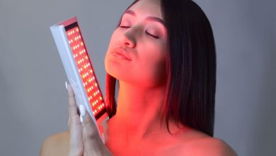 red light device woman