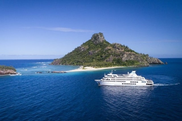 Fiji declares intend to open boundaries to travelers by November