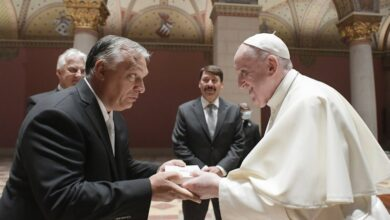 Pope Francis encourages PM Viktor Orbans Hungary to be more open to destitute refugees
