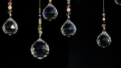 Crystal Pendant Lights Wood lights and Chandeliers Add Charm To Your Offices Bedrooms